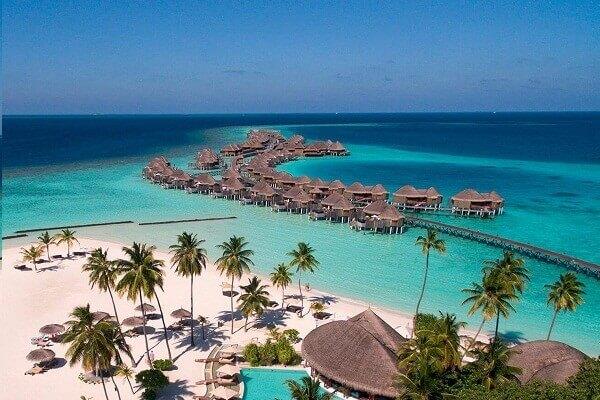 Top 10 Clear Water Beaches - Halaveli Beach, Maldives