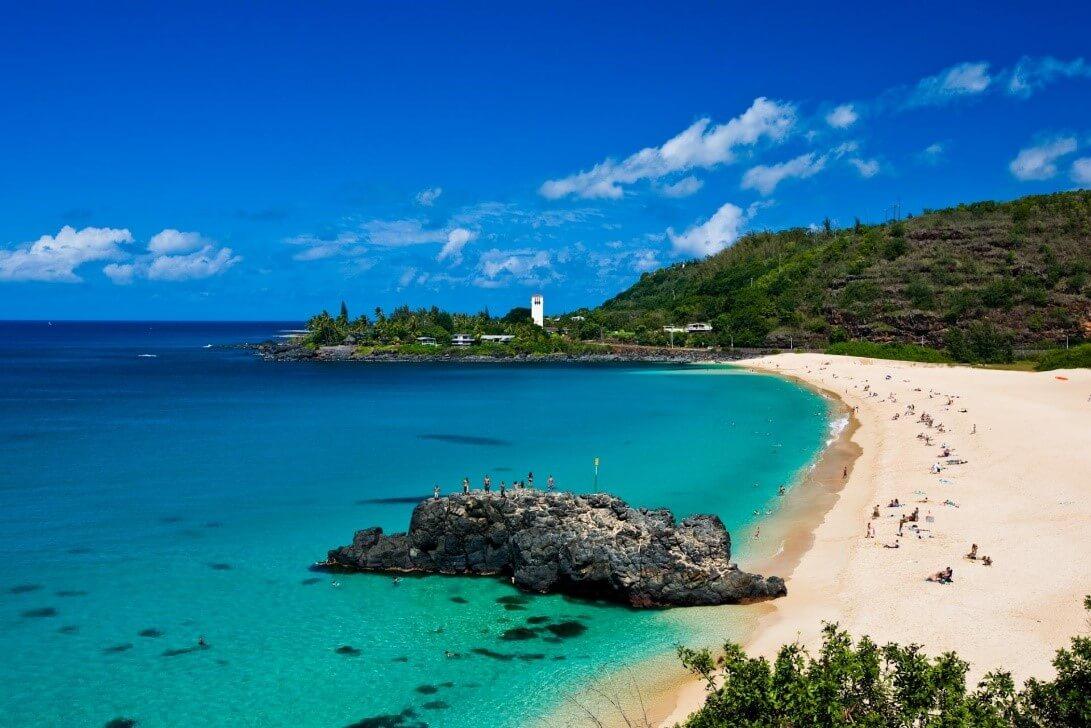 Top 10 Clear Water Beaches - Waimea Bay Beach, O'ahu Island, Hawaii